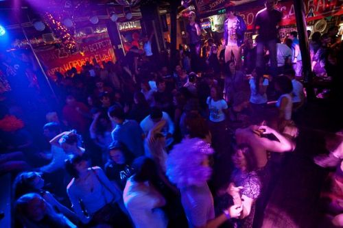 в клубе фото ночном